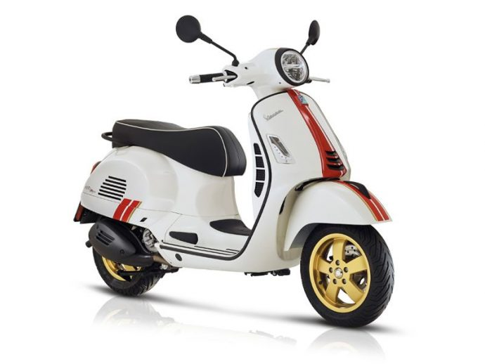 VESPA GTS 300 HP RACING SIXTIES 2021