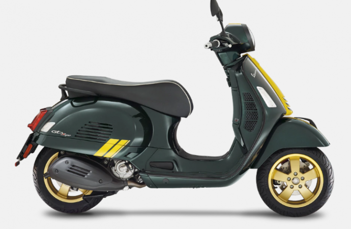VESPA GTS 300 HPE RACING SIXTIES 2021